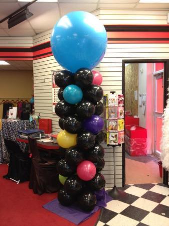 Bubble Top Pillar at Cody Party Store & Rentals