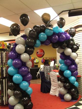 Xtreme Cody Super Twist Arch at Cody Party Store & Rentals